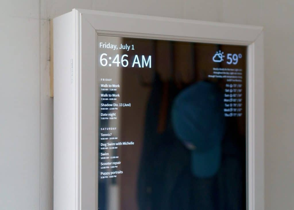 Voice-controlled Smart Mirror